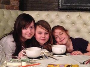 Children in restaurant